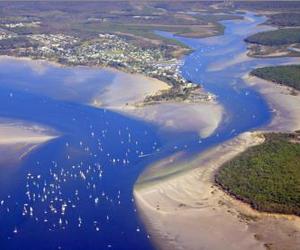 Dolphin Waters Tin Can Bay - Beautiful Tin Can Bay