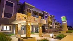 Quest Glen Waverley