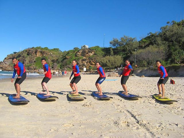 Learn to Surf at Currumbin
