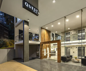 Quest Mounts Bay Road - Hotel Entrance