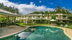Byron Lakeside Holiday Apartments