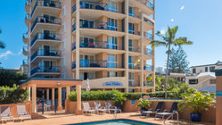San Mateo Apartments on Broadbeach