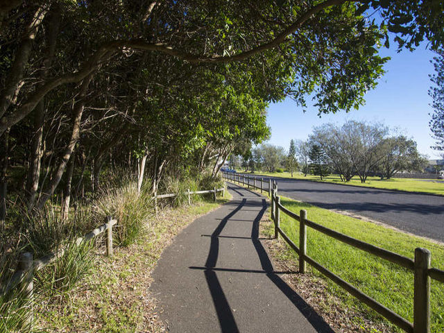 Walking & Cycle paths
