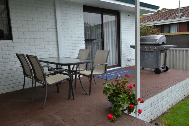 4-Bedroom House Patio with BBQ