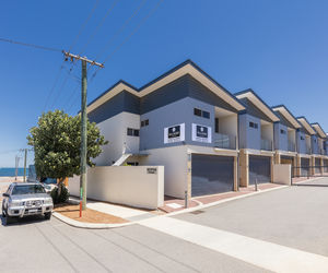 Waldorf Geraldton Serviced Apartments - Hotel Entrance